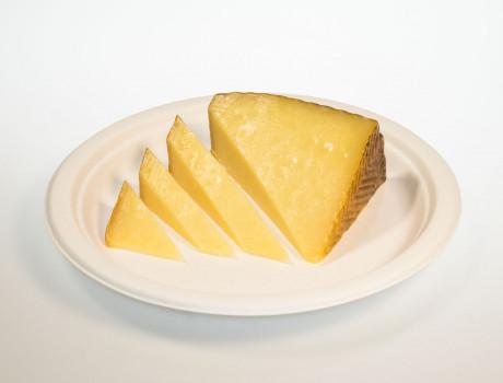 Brânză oaie de Vâlcea maturată 1 an