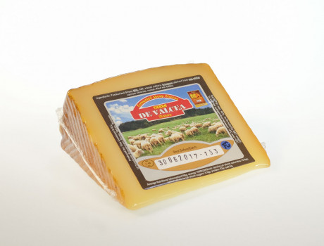 Sheep's cheese, matured 3-6 months