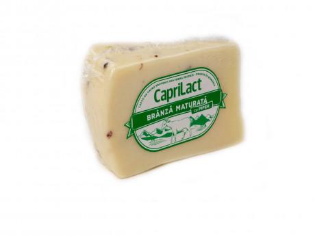 Brânză maturată din lapte de capră cu piper