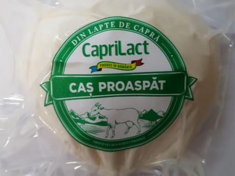Caș proaspăt din lapte de capră