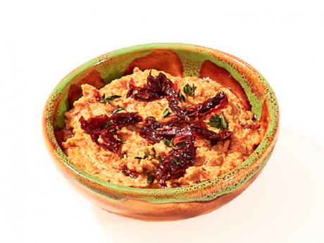 Hummus with sundried tomatoes