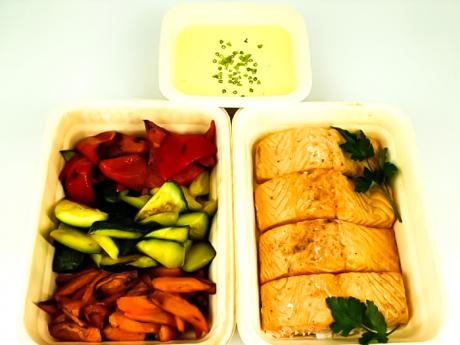 Family Pack: File de somon cu sos olandez+Sote de legume