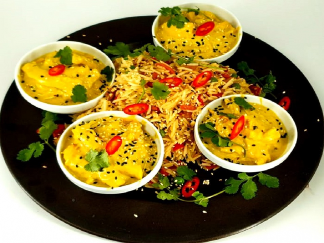 Family Pack: Pui curry cu orez cantonez