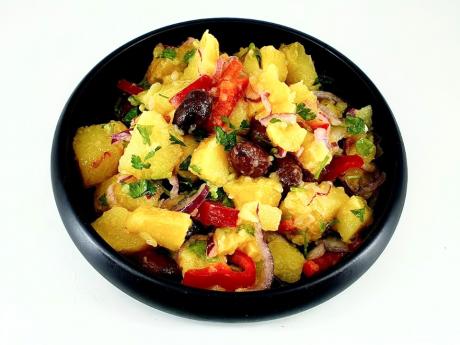 Salată vegană de cartofi