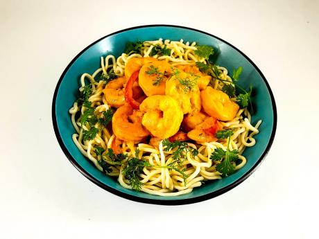 Family Pack: Red curry de creveți cu noodles